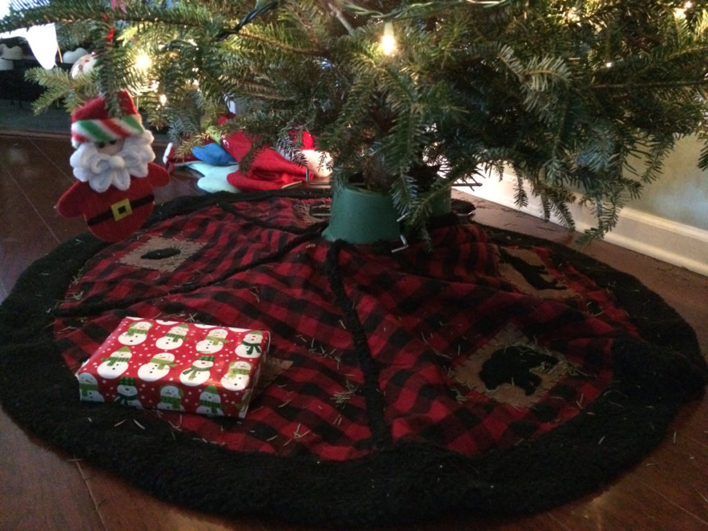 Christmas New Years Giveaway Lonely Present Under Tree